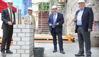 Grundsteinlegung für den Neubau des Kölner Domhotels